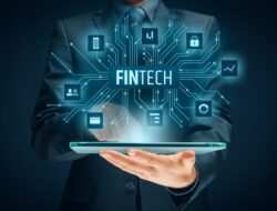 Manfaat Fintech di Tengah Masyarakat dan Perkembangan Usaha