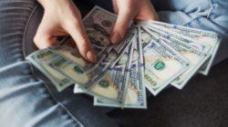 Pilih Menabung atau Berinvestasi? Pertimbangkan Berikut ini