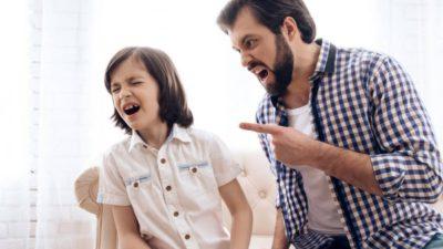 Hindari Kebiasaan Buruk Orang Tua ini agar Tidak Ditiru Anak