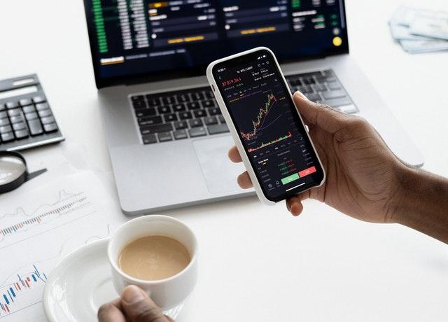 5 Keuntungan Investasi Saham bagi investor yang Perlu Diketahui