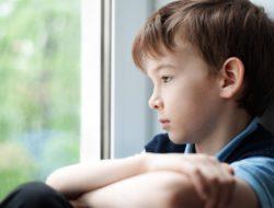 Tips Menangani Anak Sulit Bersosialisasi dengan Lingkungan